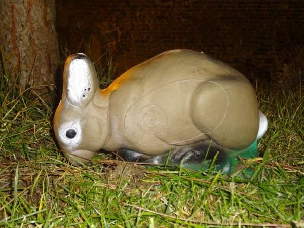 3D-Ziel NaturFoam Kaninchen fressend