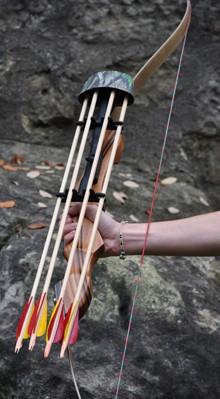 Bogenköcher für vier Pfeile